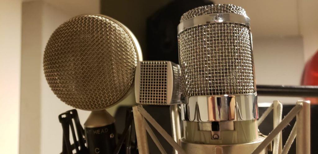 3 Types Of Microphones: Which Is Best For Your Home Studio? [Audio